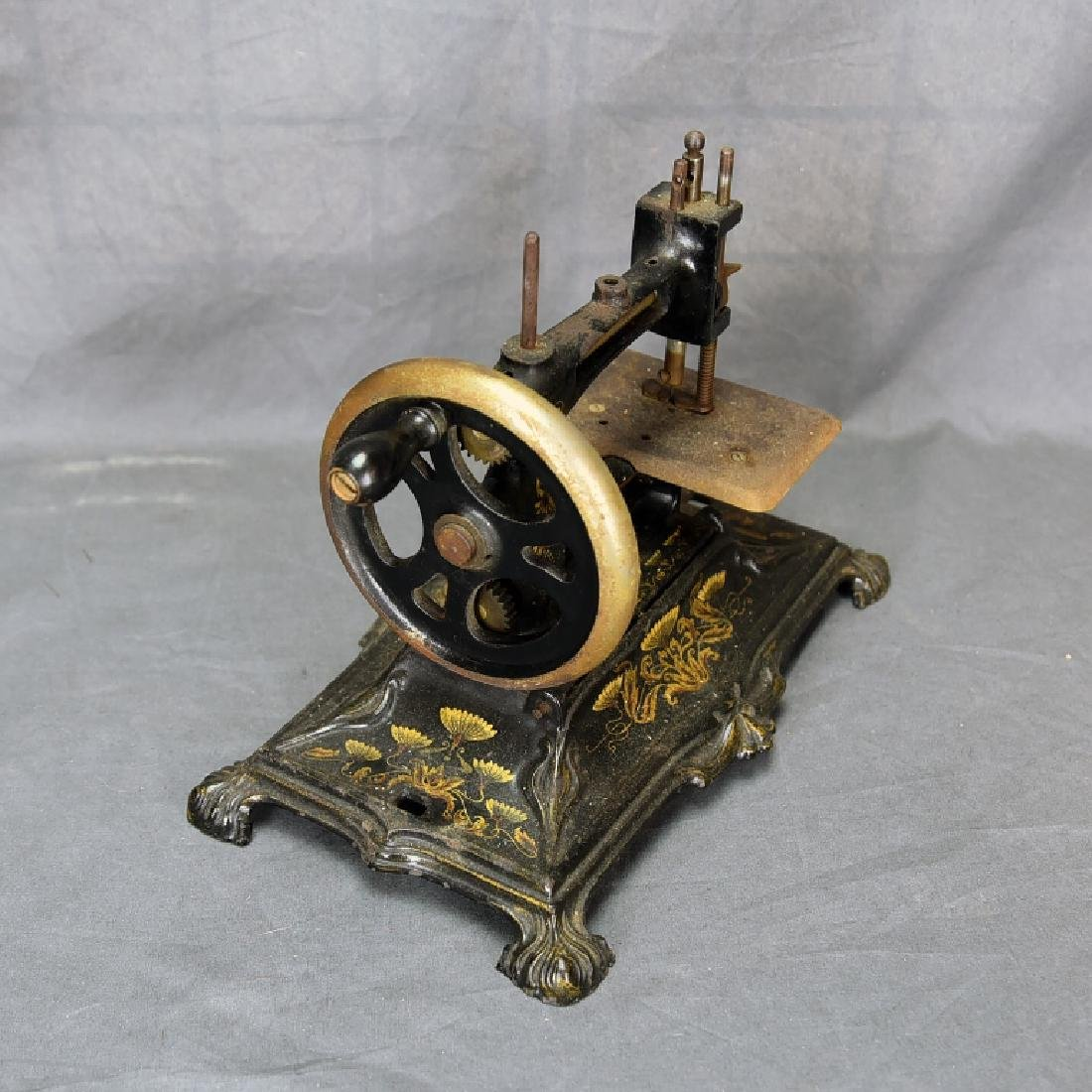 Hand Crank Cast Iron Sewing Machine by Muller - 7