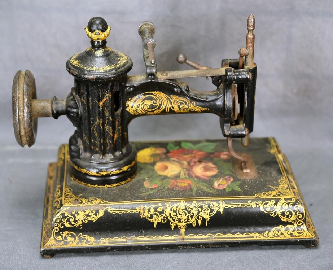 Ornate Cast Iron Table Top Sewing Machine