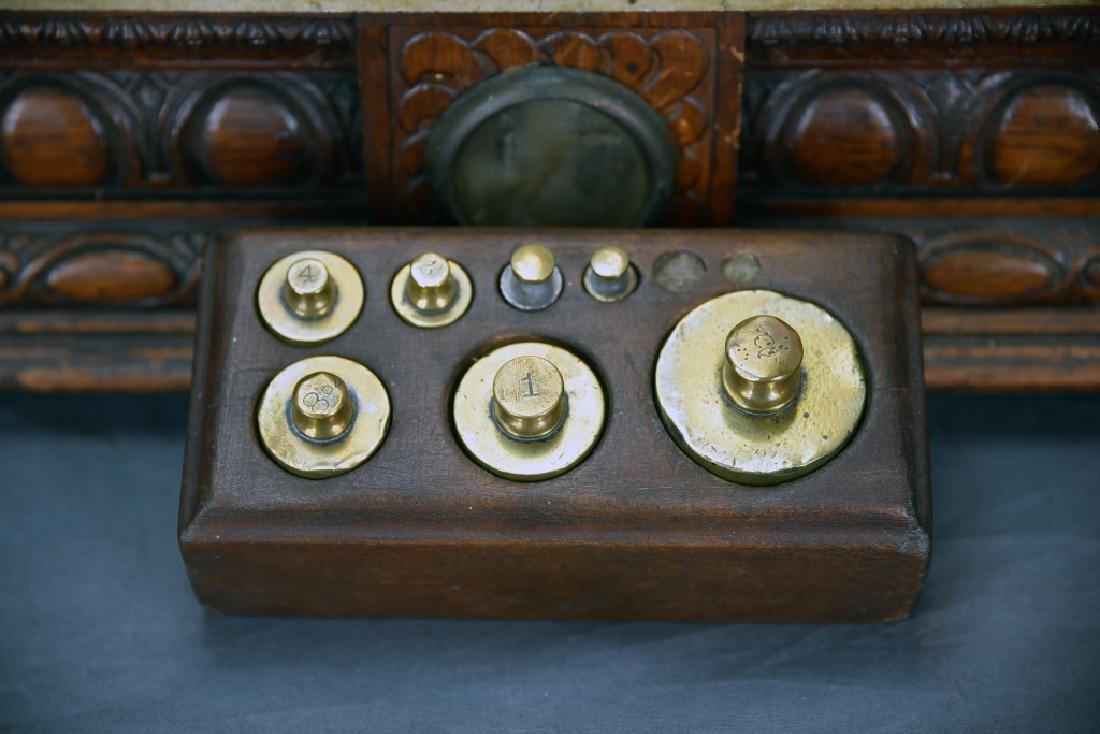 Oak Antique Balance Scale WP Hock Chicago, Weights - 4