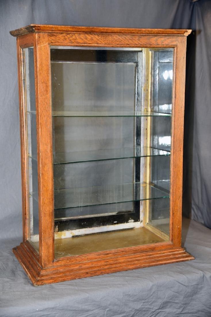 Countertop Oak Adjustable Glass Shelf Display Case