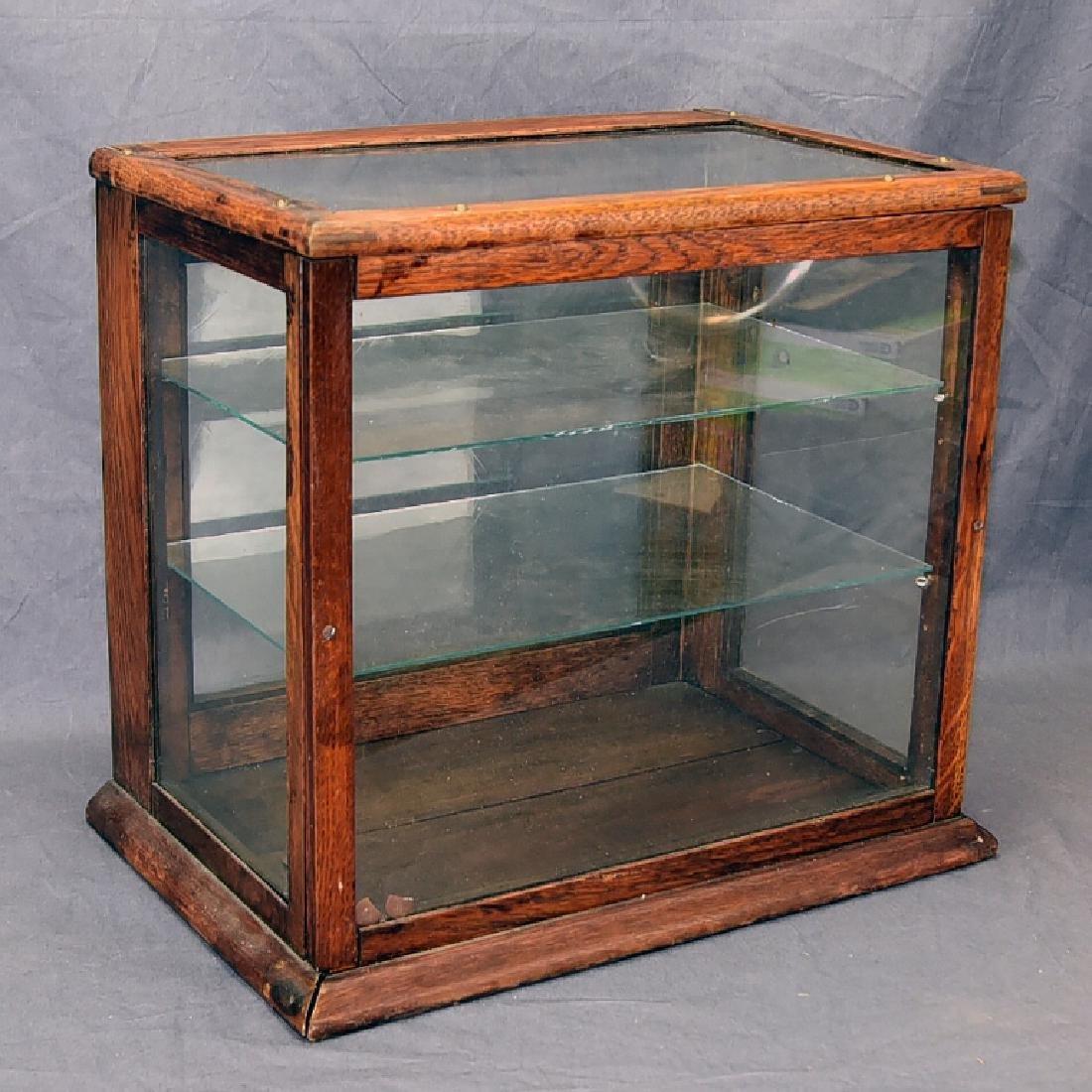 Countertop Oak Display Showcase Adjustable Shelves