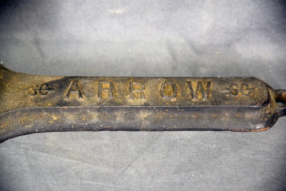 S.G.W.W. Company Arrow Tobacco Cutter - 3