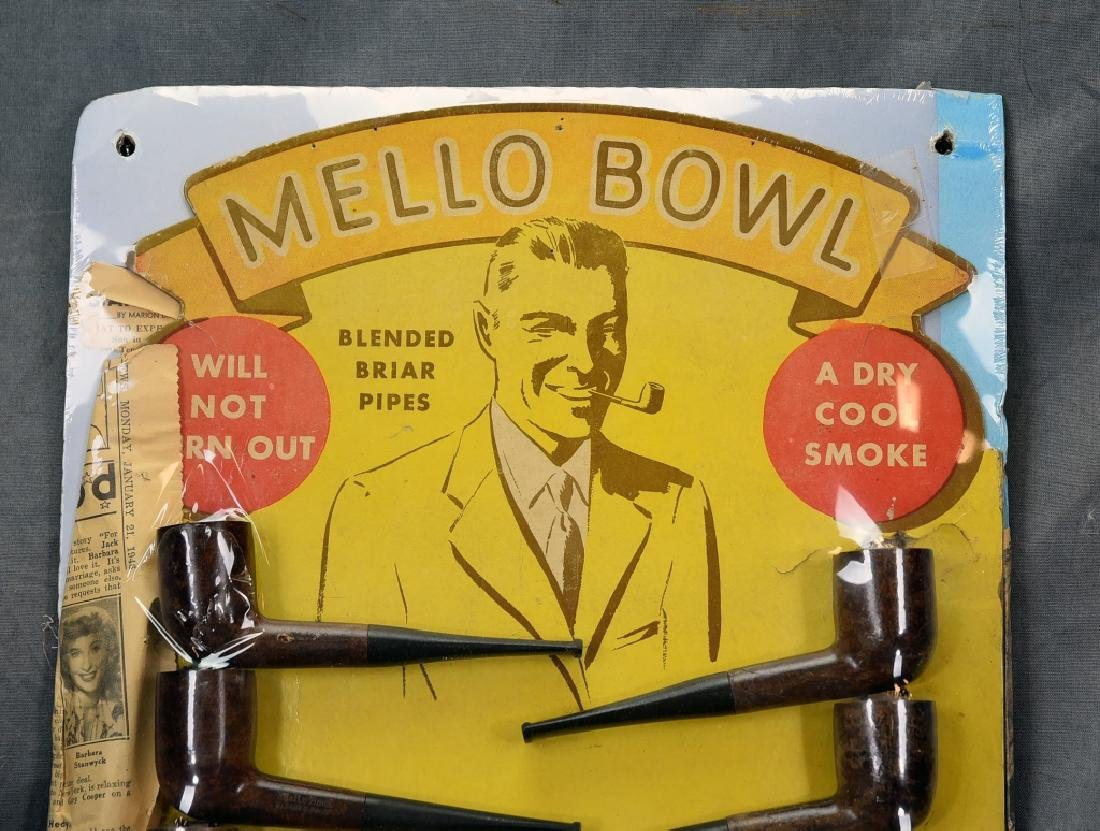 Mello Bowl Pipe Display with 12 Pipes - 2