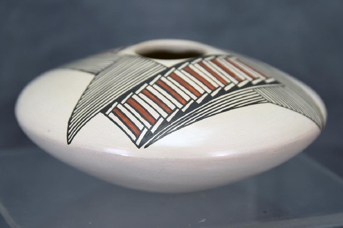 Vintage Native American Acoma Pot - 2