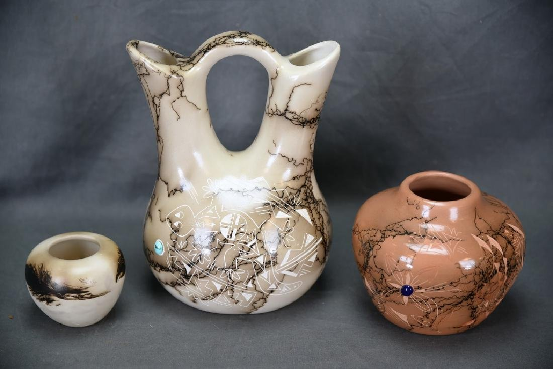 3 Signed Navajo Scratch Decorated Pots - 8