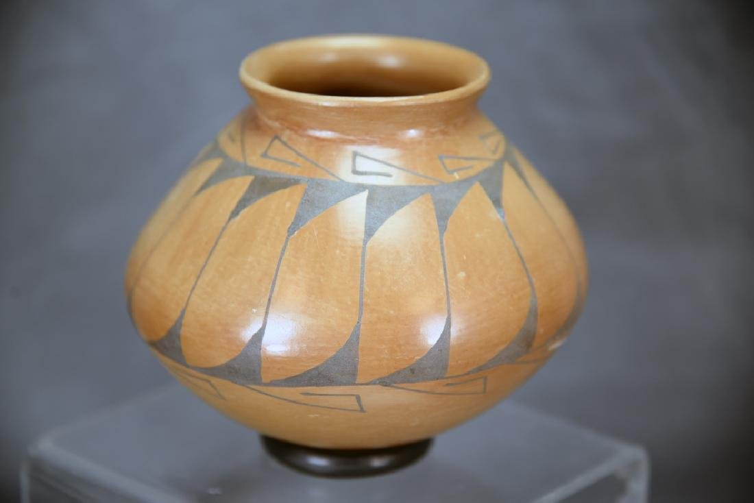 3 Native American Pots, Tso, Zuni… - 7