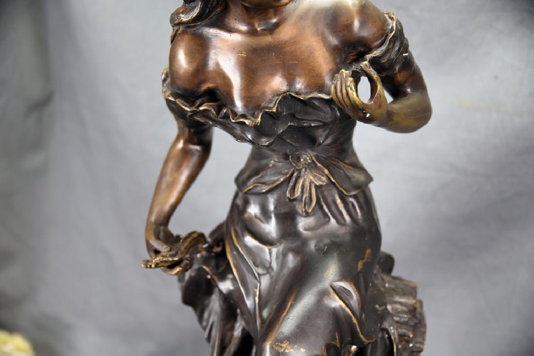 Antique Bronze Sculpture of a Woman - 4