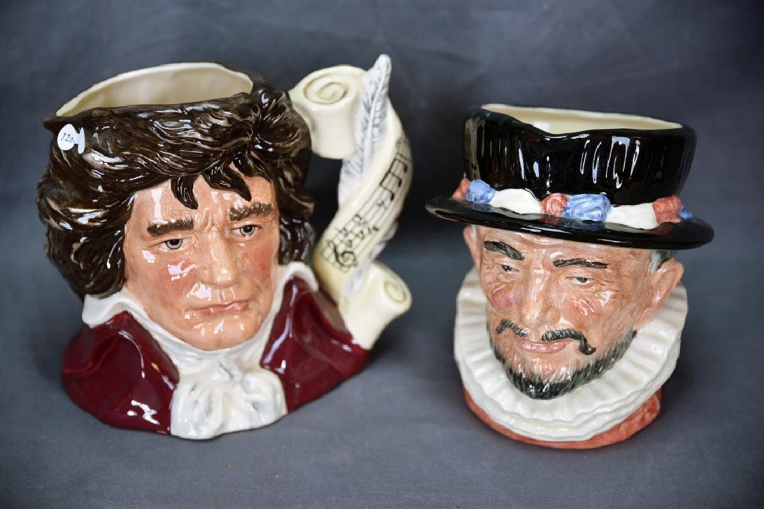 2 Royal Doulton Toby Mugs Beefeater, Bethoven