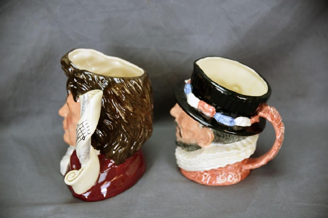 2 Royal Doulton Toby Mugs Beefeater, Bethoven - 5