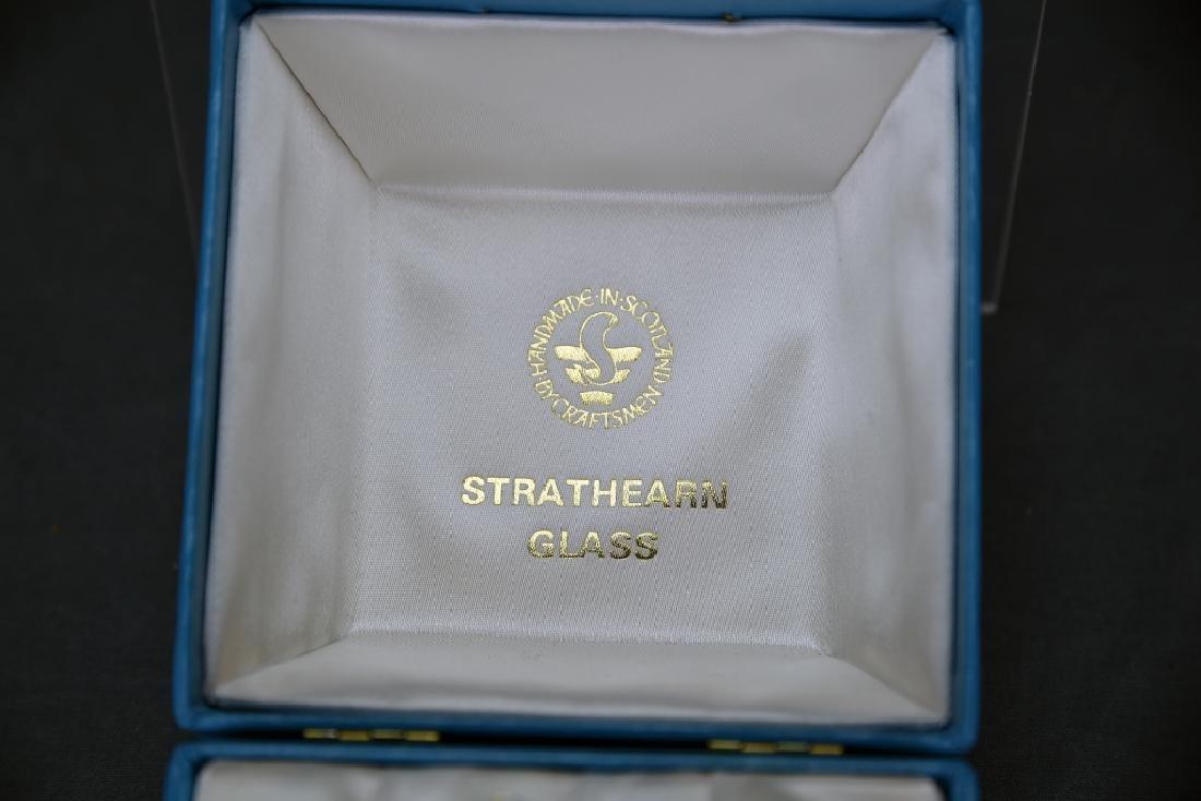 Stratheran Glass Scotland Octagonal Paperweight - 3