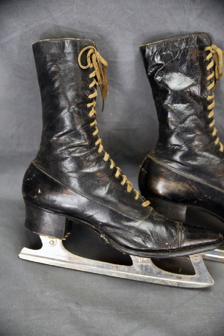 Victorian High Top Lace-up Ladies Ice Skates - 2