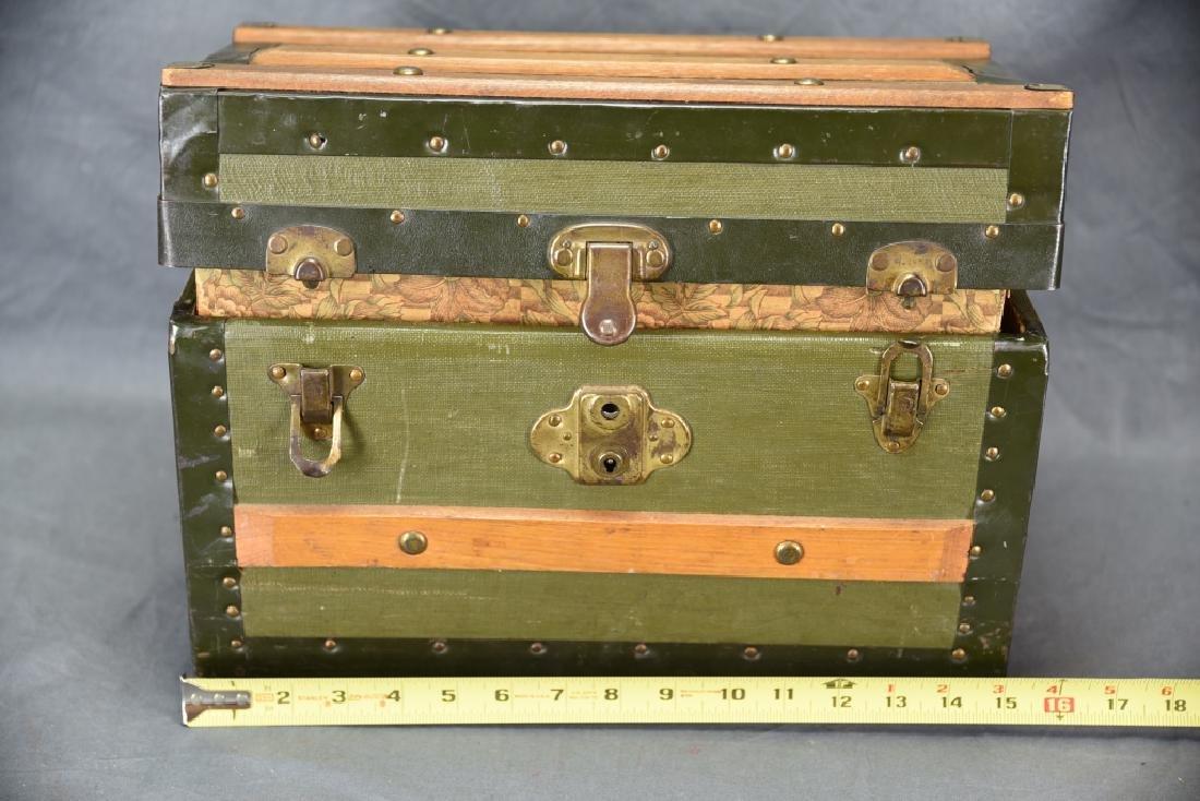 Antique Miniature Doll's Trunk Original Condition - 2