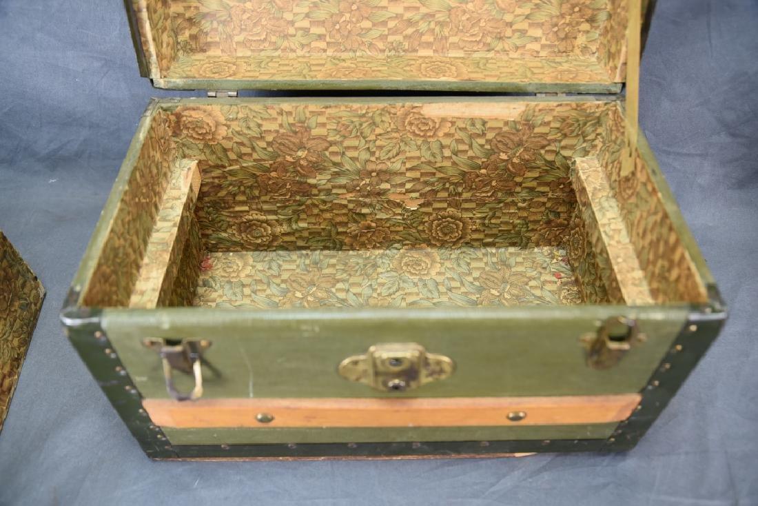 Antique Miniature Doll's Trunk Original Condition - 5
