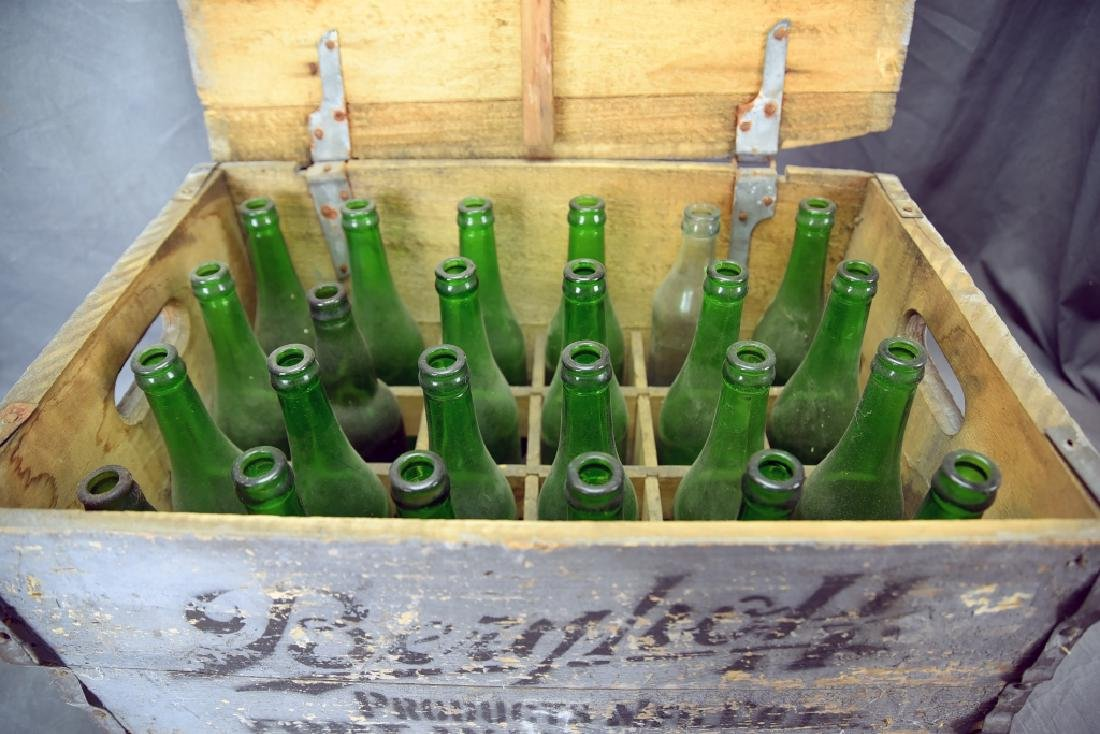Berghoff Chicago Beer Crate w/ 24 Glass Bottles - 3