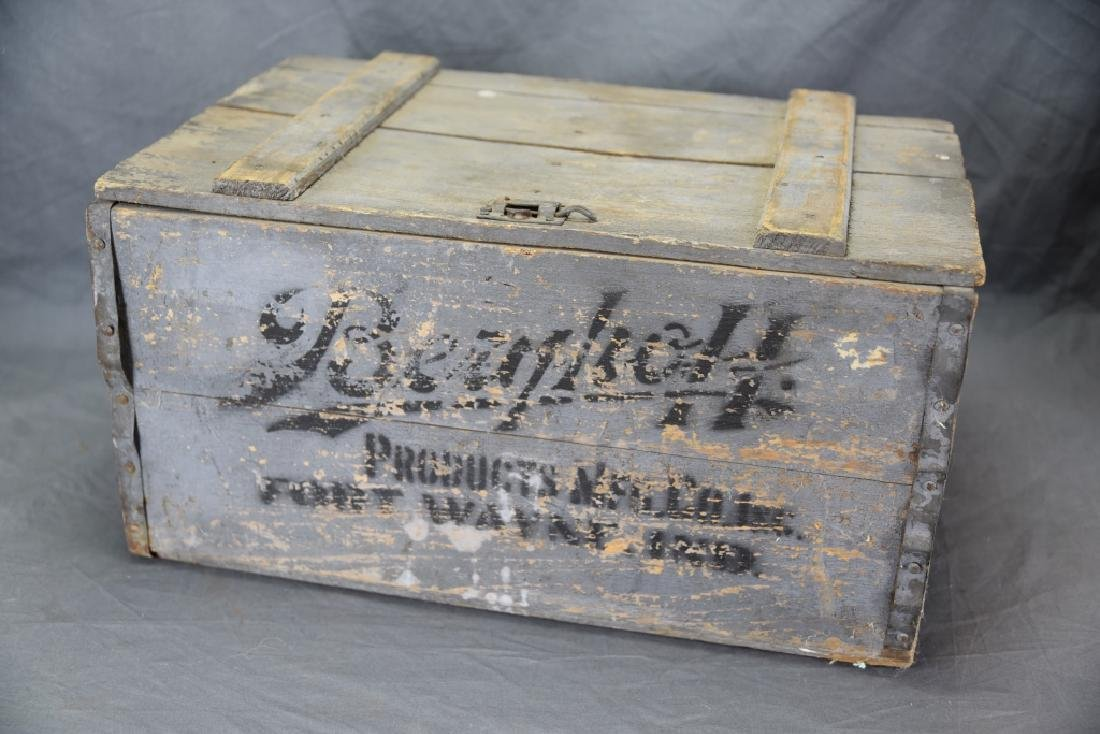 Berghoff Chicago Beer Crate w/ 24 Glass Bottles - 4