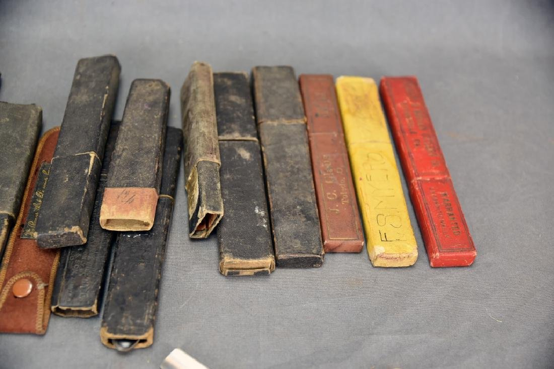 9 Straight Razors, Celluloid, Bone Handles, Boxes - 4