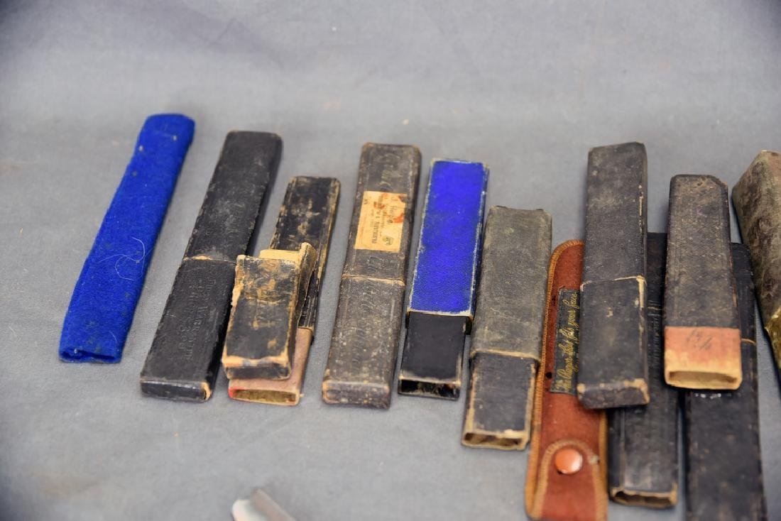 9 Straight Razors, Celluloid, Bone Handles, Boxes - 6