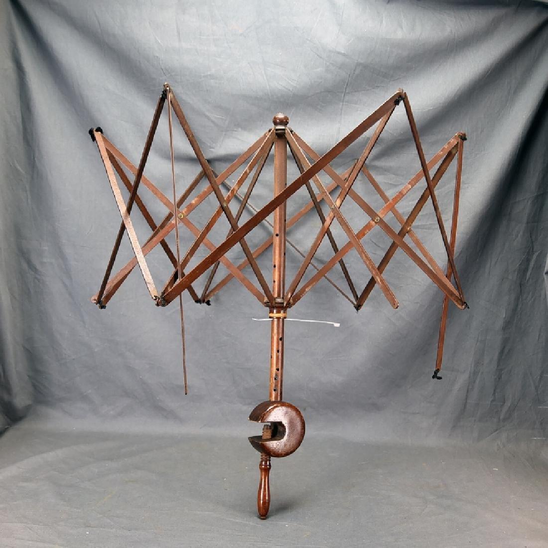 Umbrella Style Yarn Winder w/Table Clamp - 2