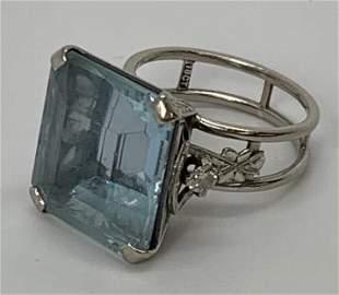 19ct. Aquamarine Art Deco 18k White Gold Ring