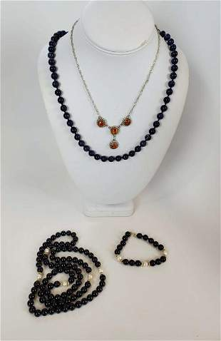 Women's Vintage Necklace And Bracelet Lot