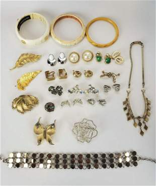 Women's Fashion Jewelry Lot