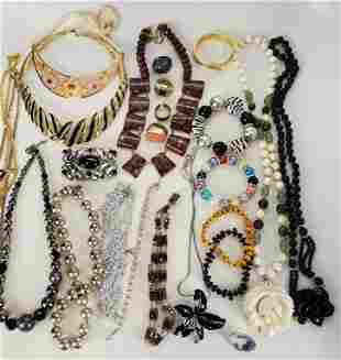 Jewelry Lot Of Contemporary Necklace's Plus