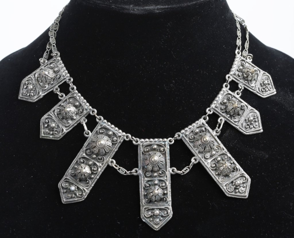 ANTIQUE RUSSIAN SILVER NECKLACE