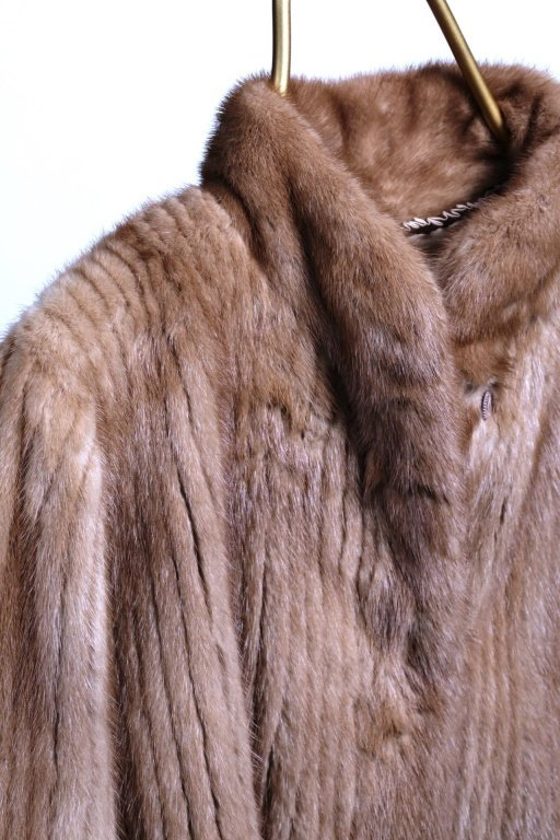 CHAMPAGNE STRIPPED MINK FUR JACKET - 2