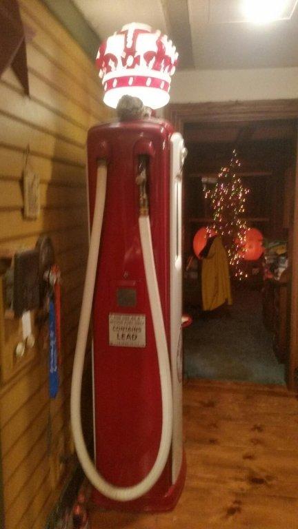 RED CROWN ANTIQUE GAS PUMP, BENNETT #646 - 2