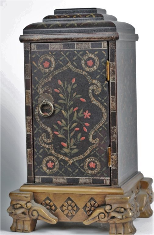 PAIR OF CHINESE PAINTED BOXES - 4