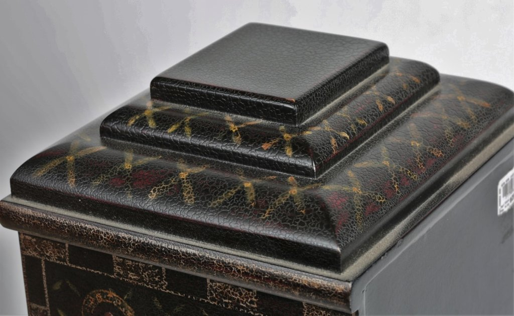 PAIR OF CHINESE PAINTED BOXES - 7