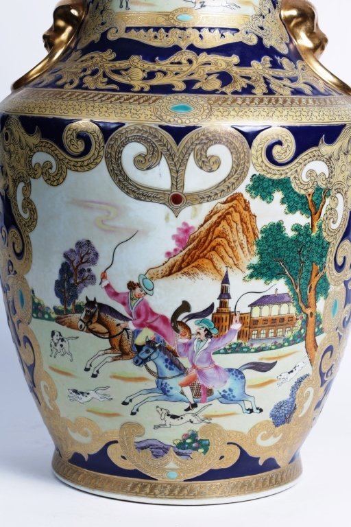 "18"" TALL CHINESE PORCELAIN URN - 5"