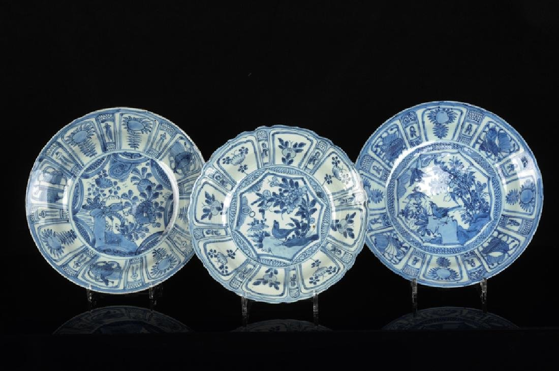 Three blue and white 'kraak' porcelain dishes; 1) A