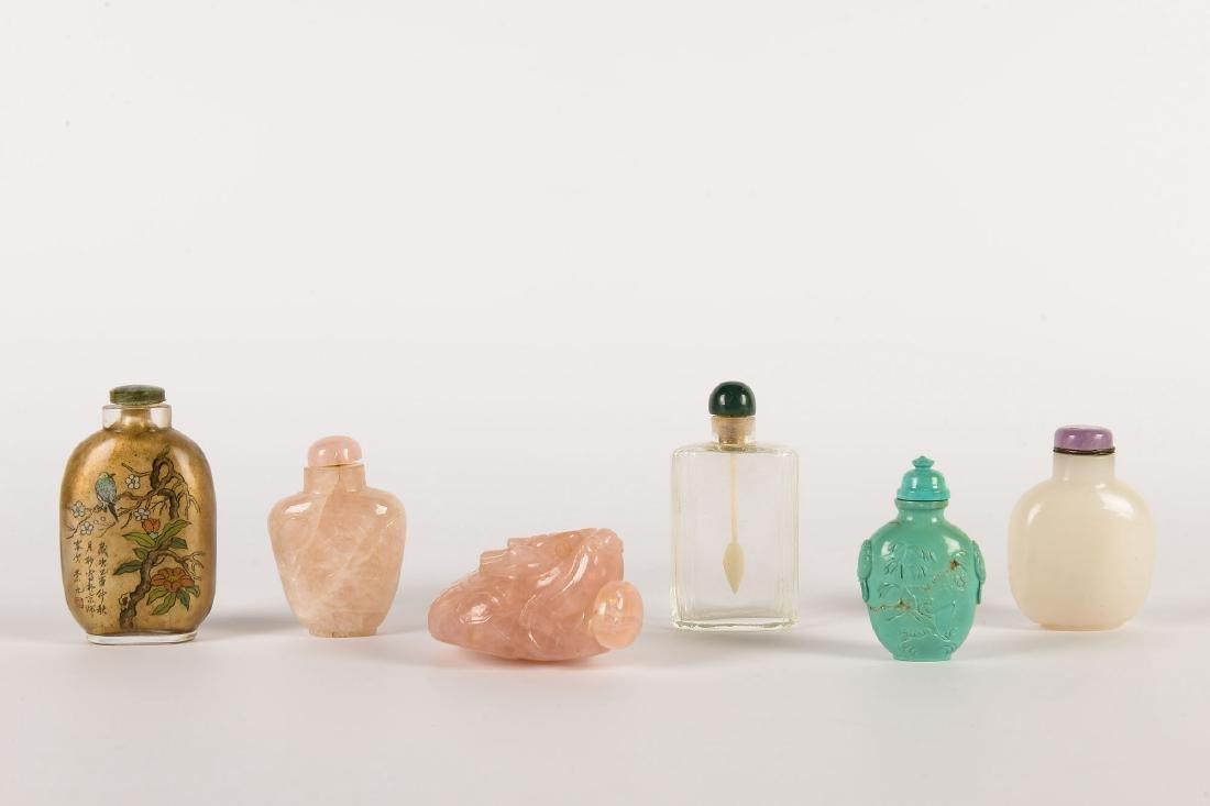 A lot of six diverse snuff bottles, i.a. rose quarts,