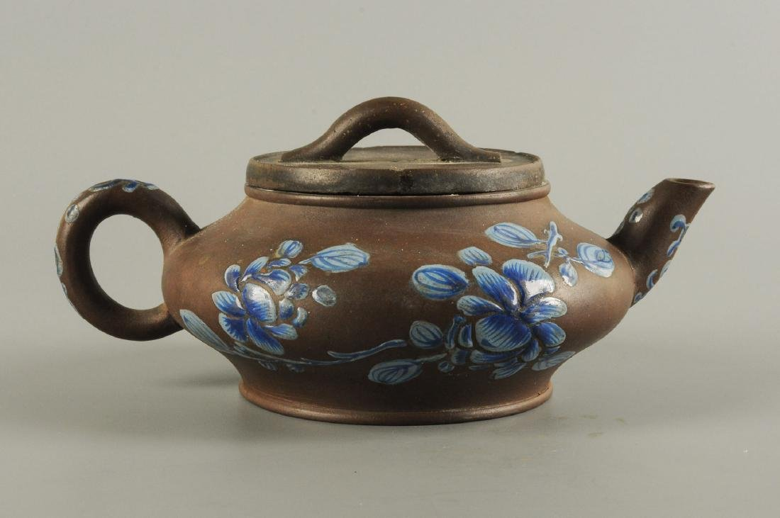 A Yixing teapot decorated with floral design. Unmarked. - 6