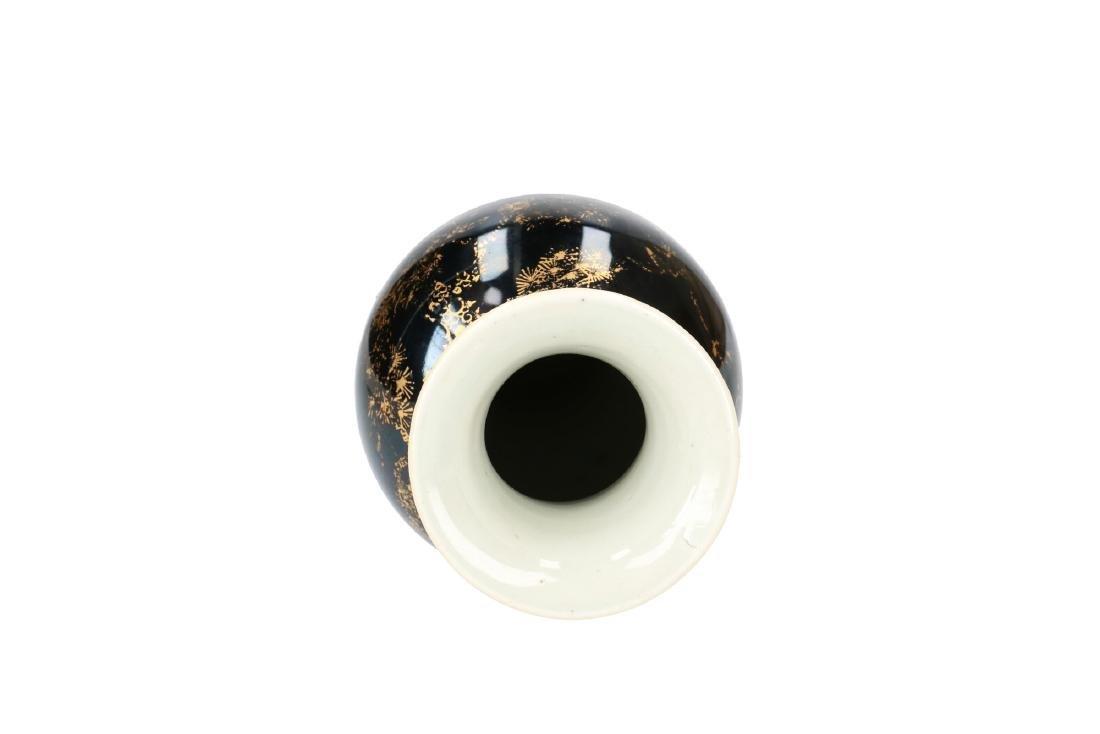 A Famille Noir porcelain baluster vase with gilt decor - 4