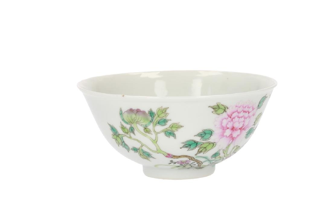 A polychrome porcelain bowl, decorated with flowers. - 3