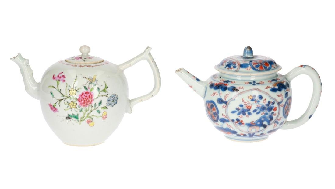 A lot of two polychrome porcelain teapots, 1) Imari,