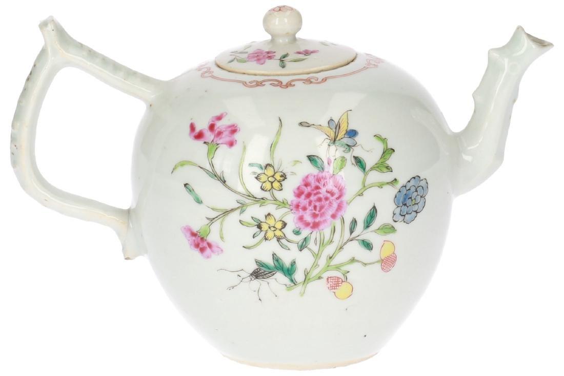 A lot of two polychrome porcelain teapots, 1) Imari, - 9