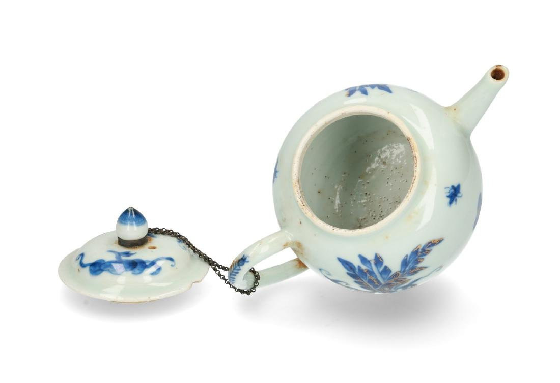 A blue and white porcelain teapot with partly gilt - 4