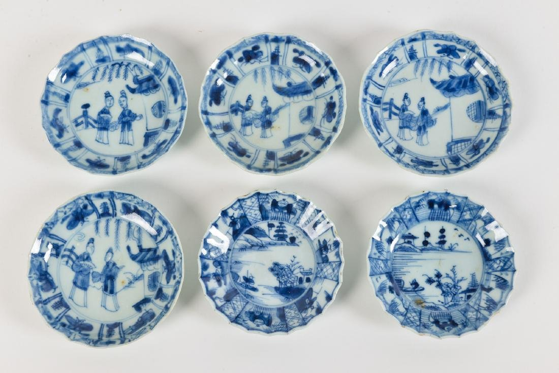 A lot with ca. 42 diverse blue and white porcelain - 2