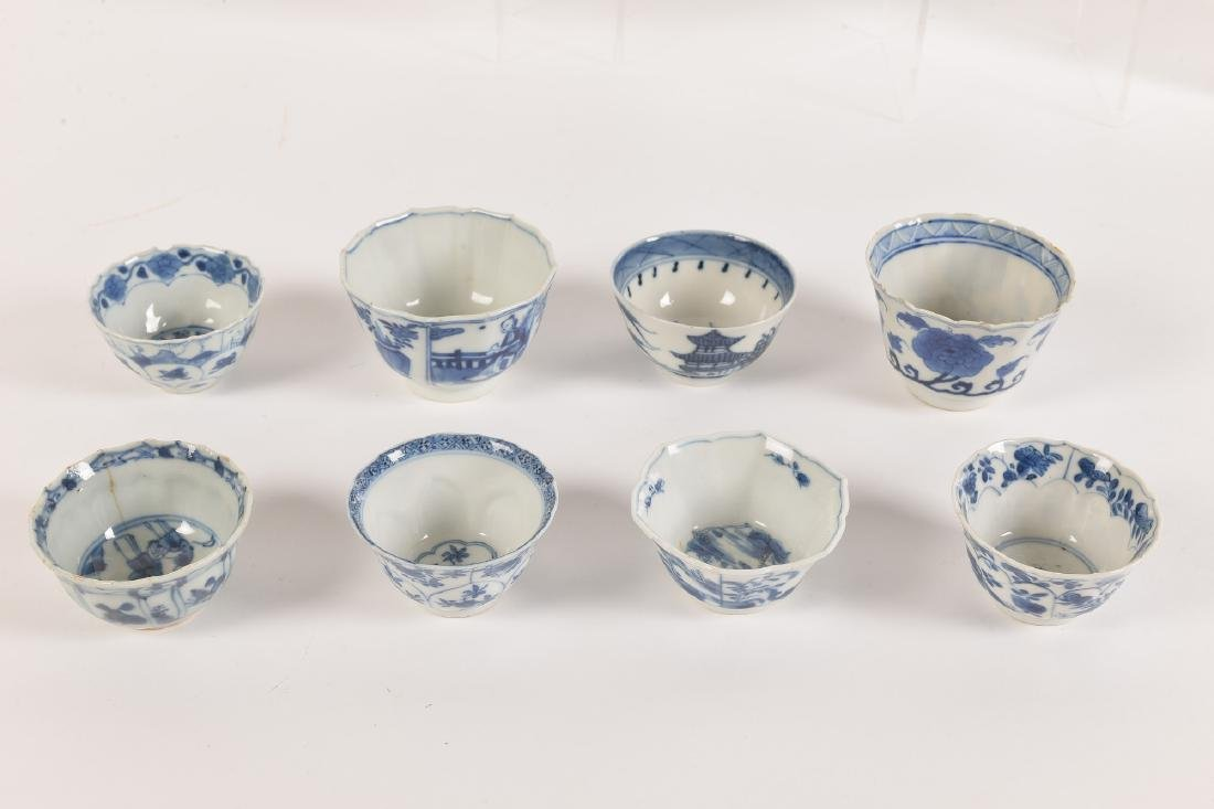 A lot with ca. 42 diverse blue and white porcelain - 8