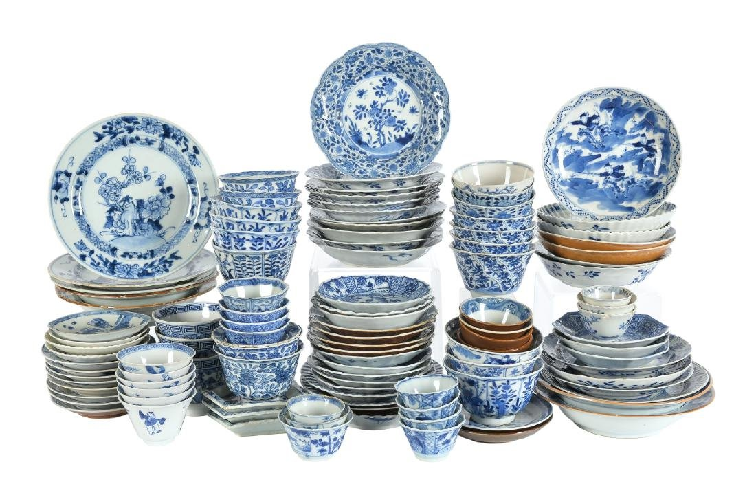 A lot of ca. 111 diverse blue and white porcelain