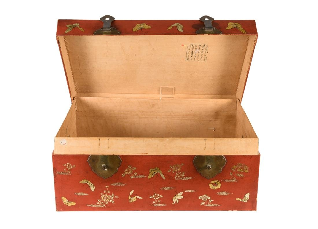 A red leather chest with gilded decor of butterflies - 2