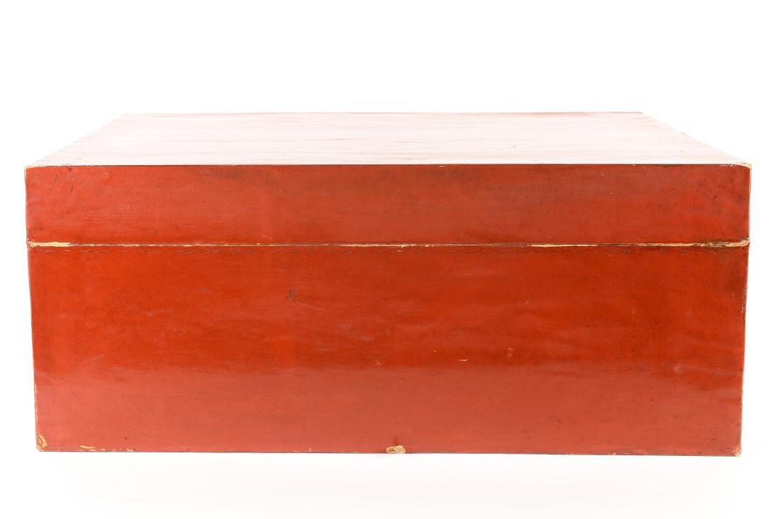 A red leather chest with gilded decor of butterflies - 3
