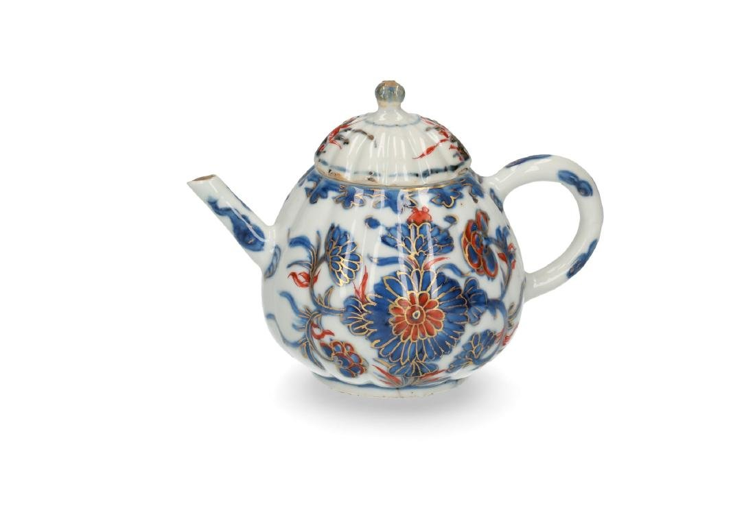 Two Imari porcelain teapots: 1) lobbed body with floral - 6