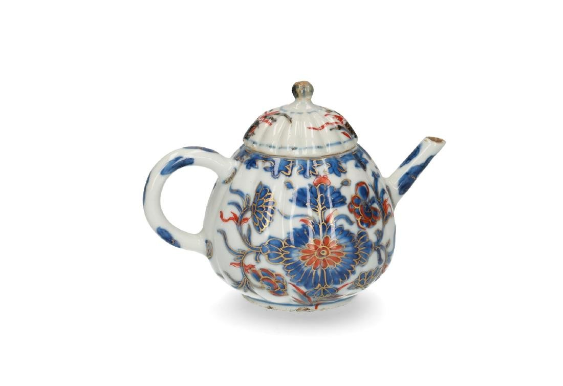 Two Imari porcelain teapots: 1) lobbed body with floral - 8