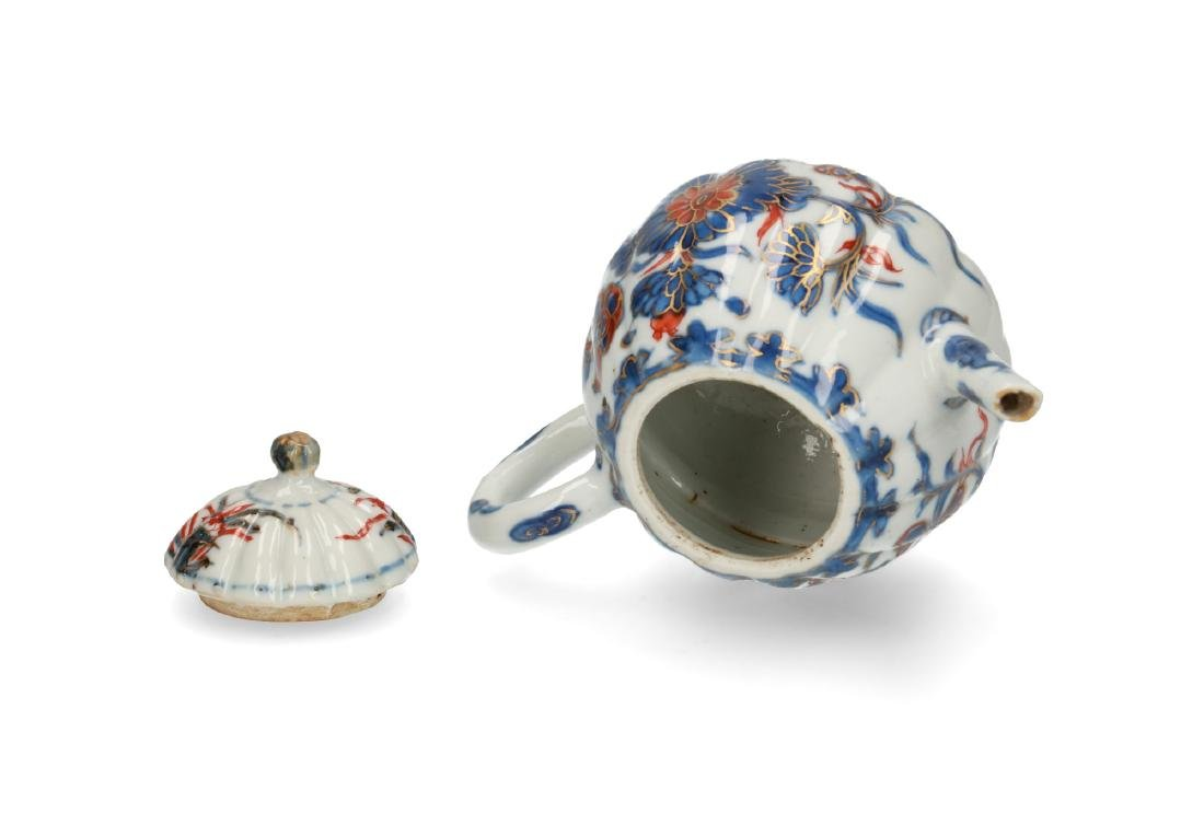 Two Imari porcelain teapots: 1) lobbed body with floral - 9