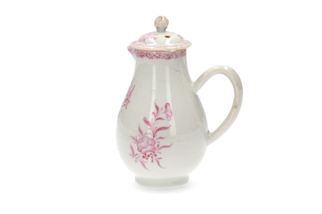 A pink and white porcelain export set with a tea caddy - 6