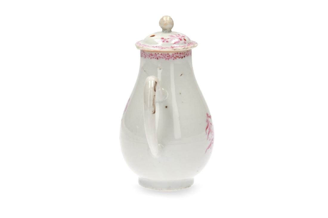 A pink and white porcelain export set with a tea caddy - 7